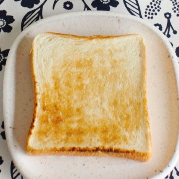 〈ドゥ・セー〉美味しい食パンをパン専用プレートで贅沢に食べる