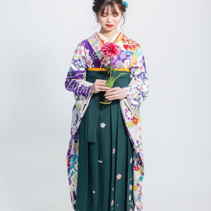 2022年ご卒業式袴ご予約受付中!!