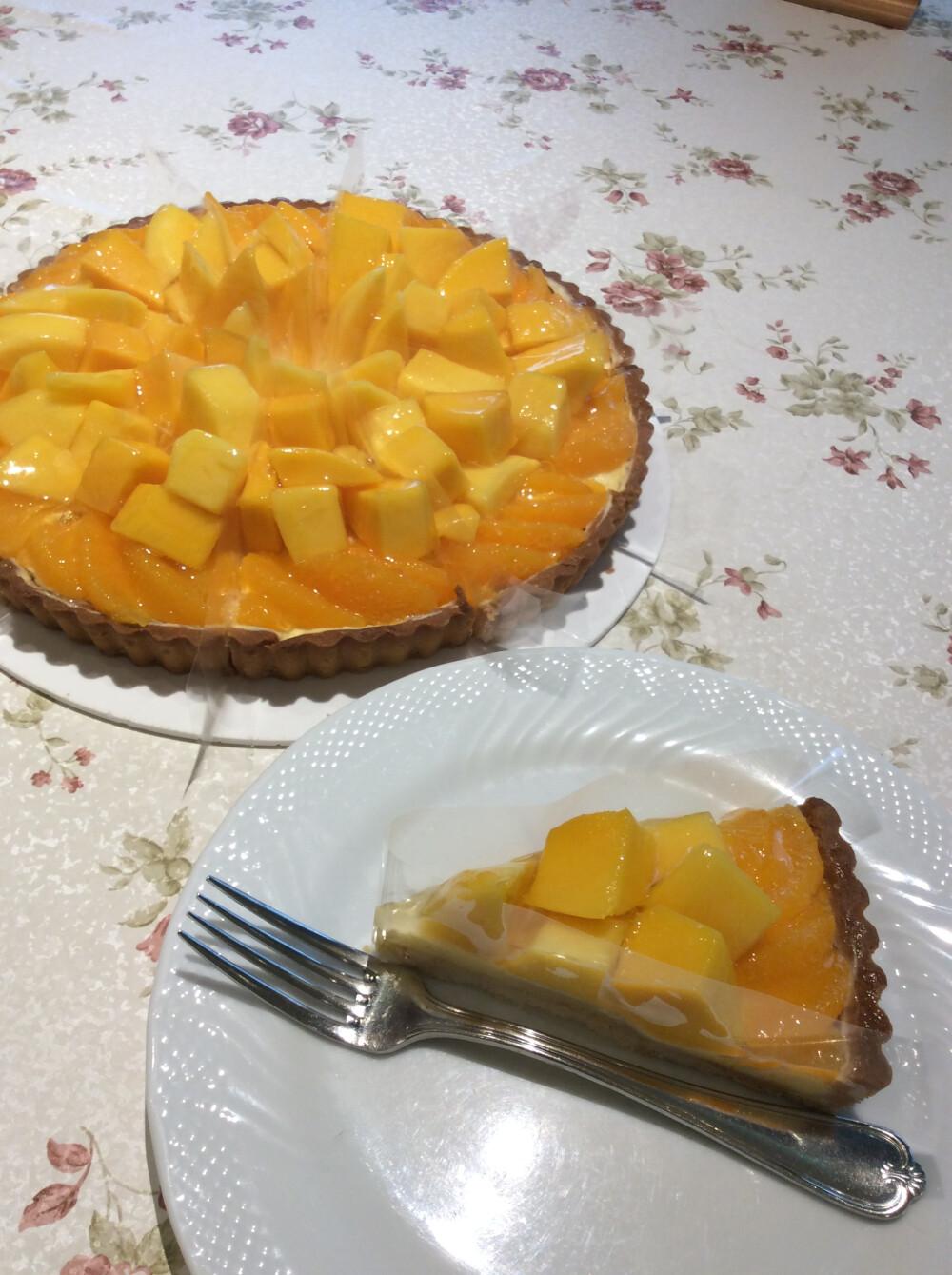 アップルマンゴーとオレンジのタルト
