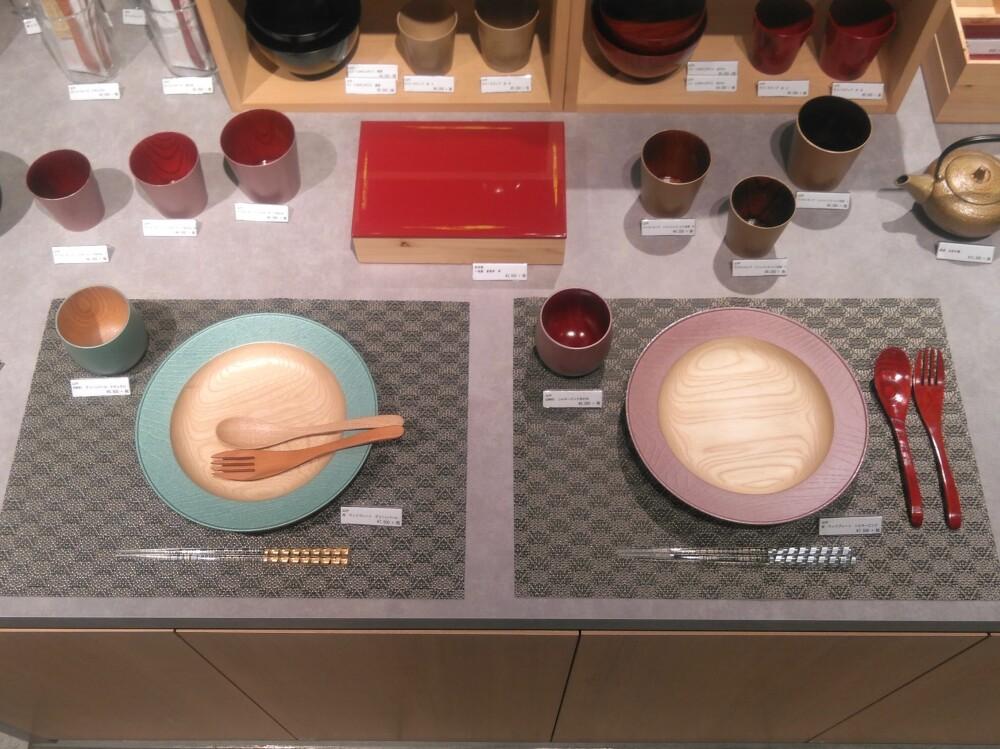 かわいい洋漆器でテーブルコーディネート