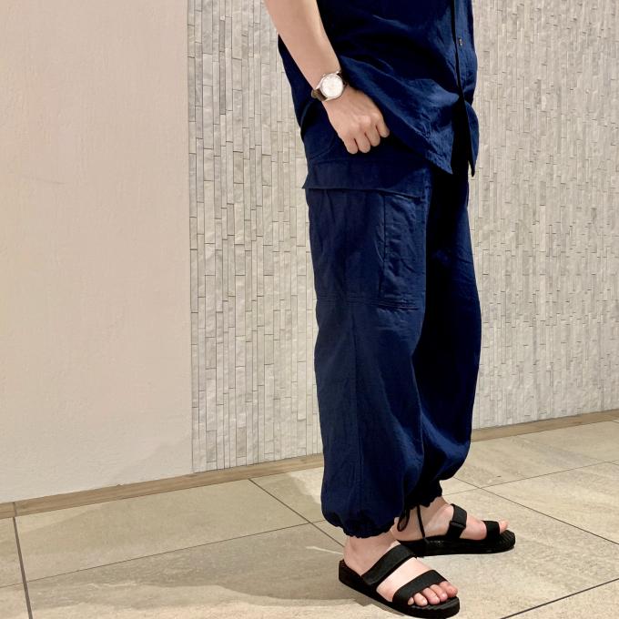 「45R」ゴマデニムのジョッパンカーゴパンツとアロハシャツ
