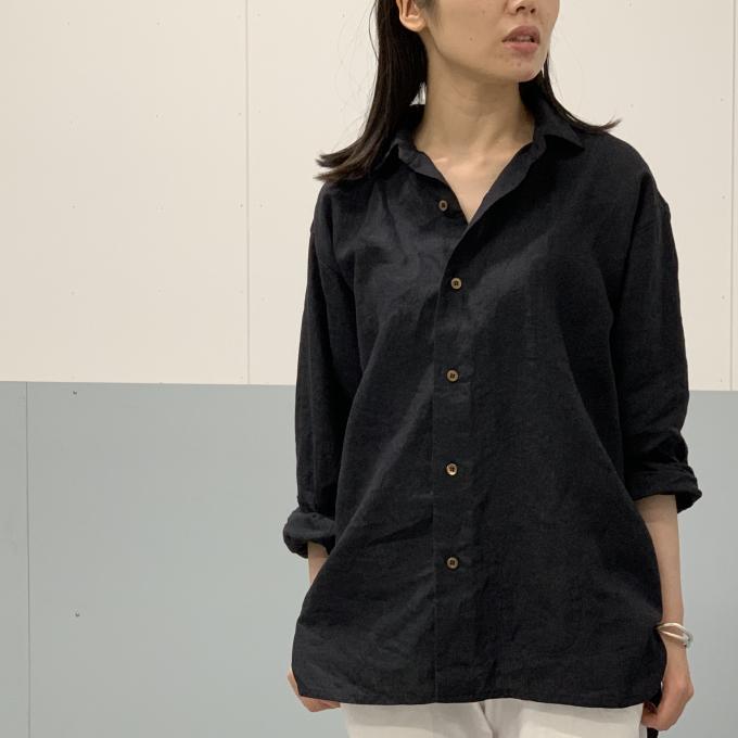 「45R」リネンのオーシャンシャツとイージースリムパンツ
