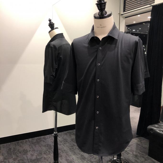 艶っぽい男の為の1枚!半袖プレーンシャツをご紹介。