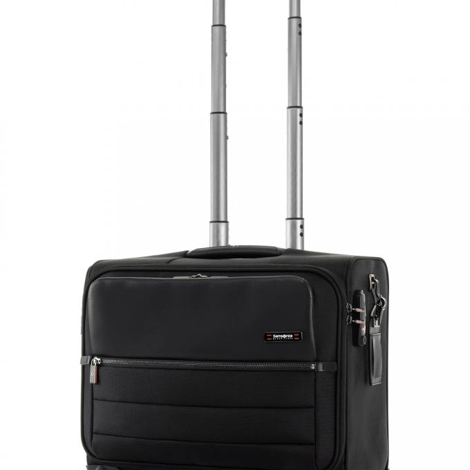 ビジネスシーンに最適な高機能バッグをご紹介