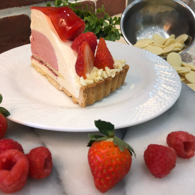 ホワイトチョコと木苺のタルト