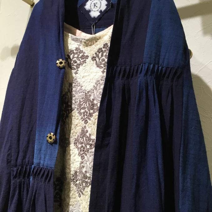 藍染×刺繍のコーディネート