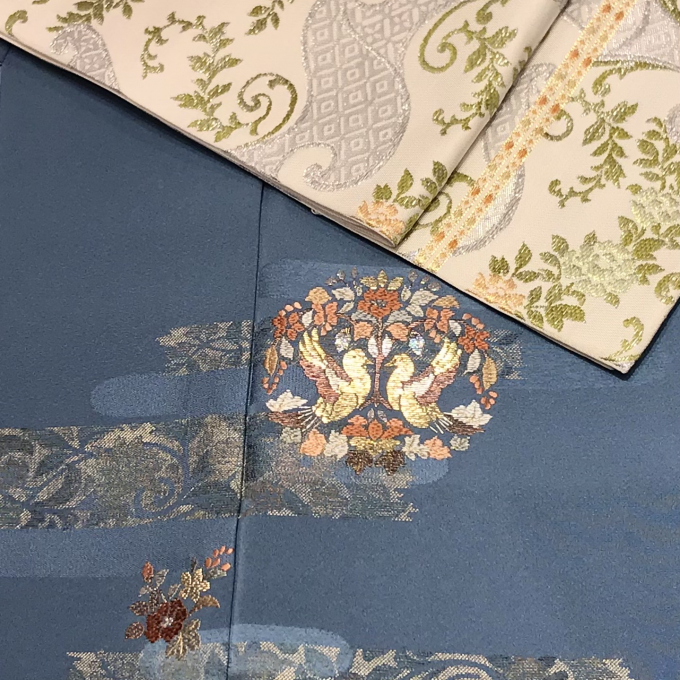 双凰文の刺繍の付下げと古布錦織の袋帯
