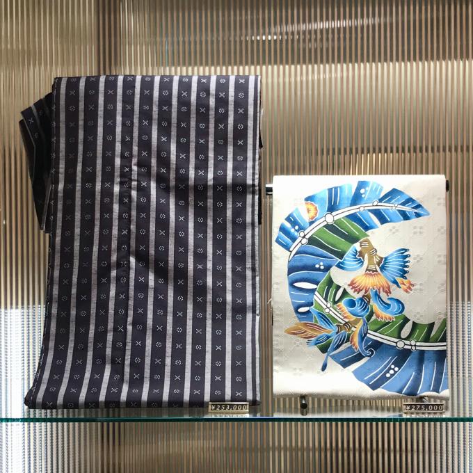 手織りの南風原花織に城間栄順作 琉球紅型名古屋帯