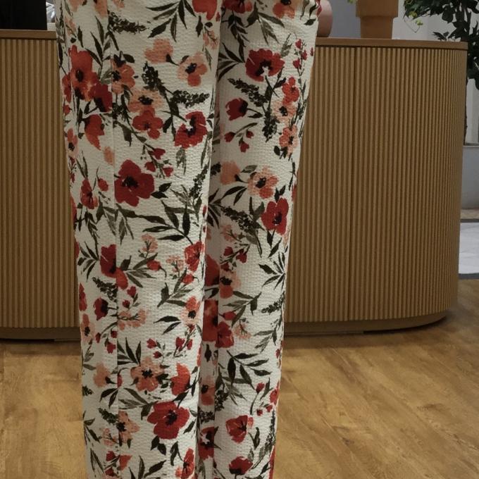 うきうき花柄パンツ
