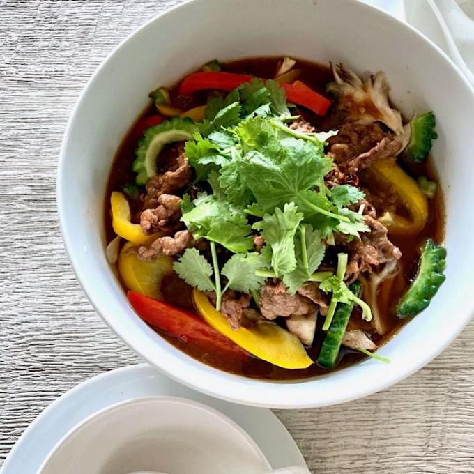 大源の味噌で作る『野菜たっぷりのジビ辛四川料理水煮牛肉』✨