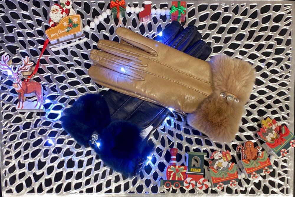 〜Happy Holidays〜寒い時期のギフトや自分へのご褒美にお勧め手袋🧤