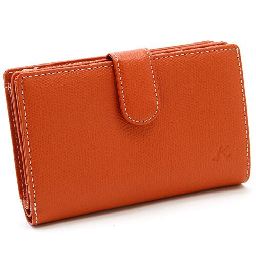 秋色を先取り!ファッションの差し色にもなる二つ折り財布