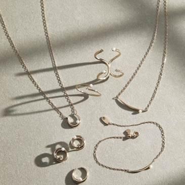 〈エテ〉ミストピンクゴールドネックレスのご紹介
