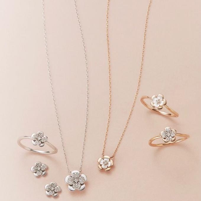 幸福を運ぶダイヤモンドネックレス