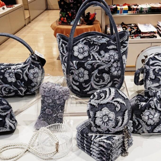 この冬はフェイラーのバッグでお出掛けしてみませんか?