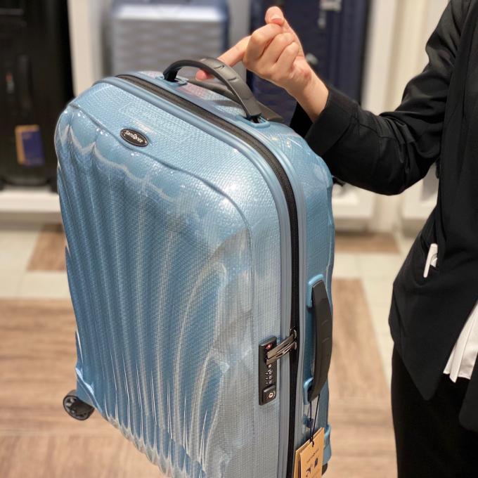【再値下げ‼︎】指一本で持てるスーツケース⁉︎【衝撃プライス】