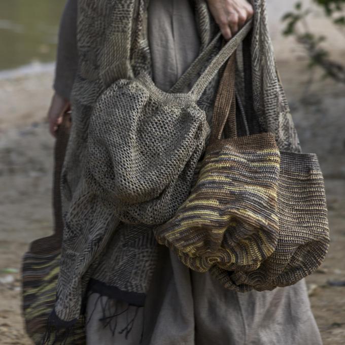 ババグーリ ラフィアのバッグ