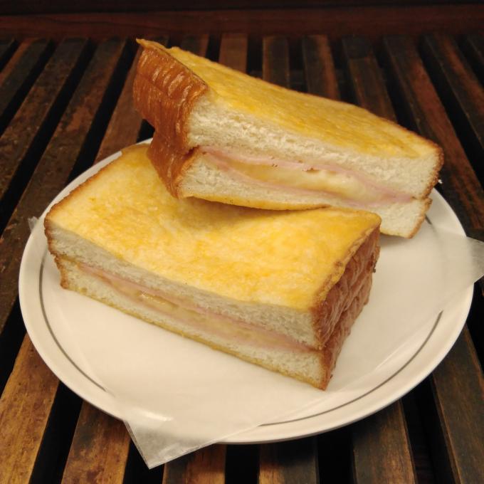 毎月0のつく日は『パンの日』 カーラ・アウレリアからのお買い得情報♪