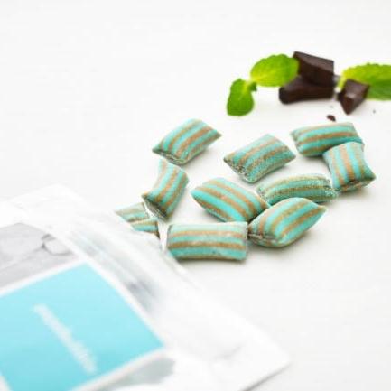 雨の日限定に販売する「ペブル?」キャンディ