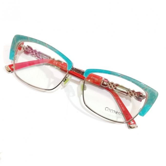 ビビットカラーは眼鏡で│ピンクもブルーも メガネで取り入れるネオンカラーファッション