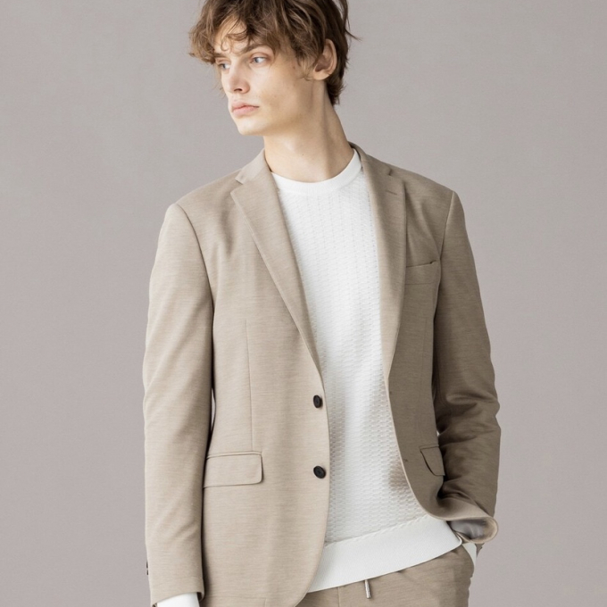 Effortless suits